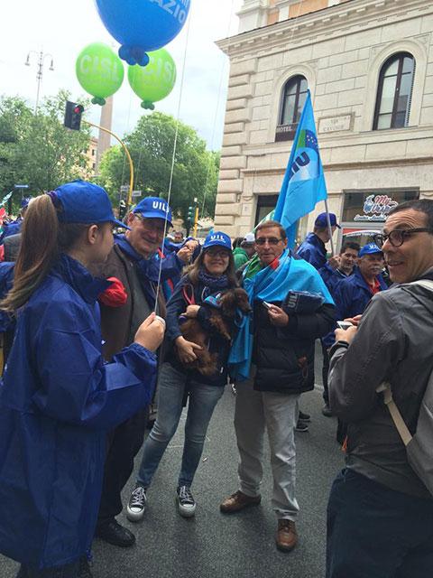 Manifestazione Unitaria di CGIL CISL e UIL Roma e Lazio per chiedere al Sindaco di Roma Marino di occuparsi dei veri problemi dei cittadini: dai rifiuti all'emergenza abitativa.